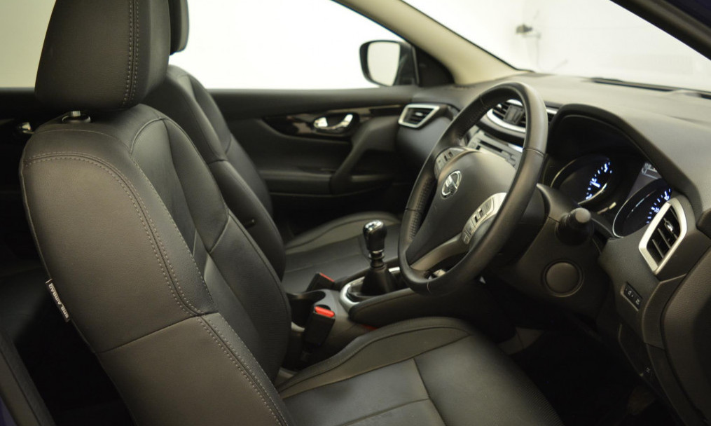 Leather Interior of Nissan Qashqai Tekna